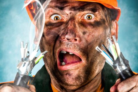 Electricians-troubleshooting-maintenance-problem